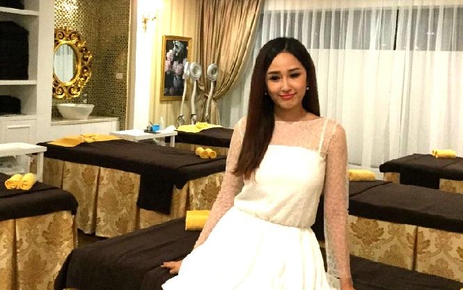 Mai Phương Thúy khoe em gái xinh như hot girl trong sự kiện 5
