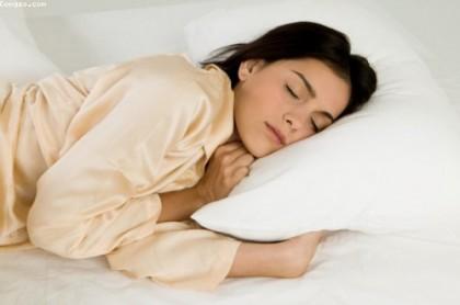 Nằm ngủ nghiêng bên trái và những lợi ích bất ngờ 2