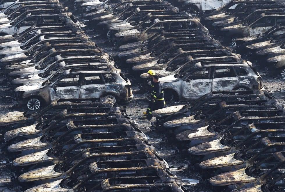 Toàn cảnh vụ nổ Trung Quốc: Thiên Tân tang thương, nguy hiểm còn rình rập 2