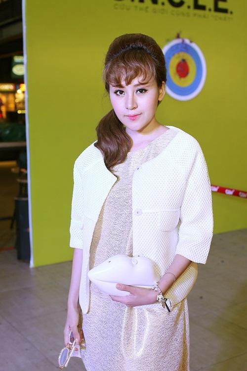 Bà Tưng Huyền Anh tái xuất với gương mặt khác lạ 2