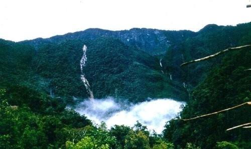 Dân làng thấy máy bay Indonesia đâm vào núi (cập nhật) 2