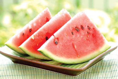 Dưa hấu và những nguy hiểm khi ăn vào ngày nắng nóng 2