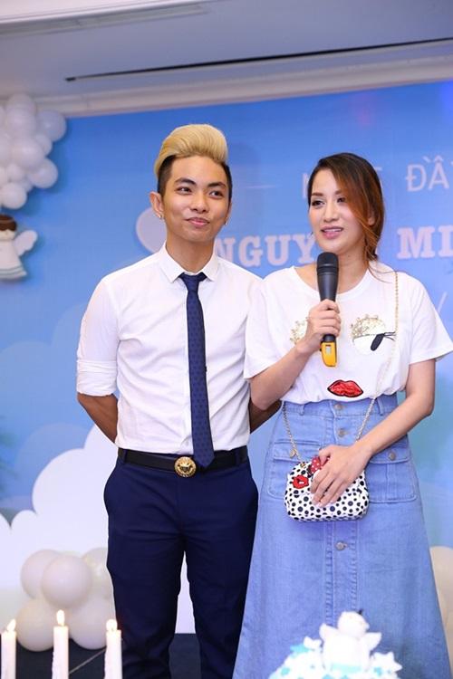 Khánh Thi - Phan Hiển hạnh phúc làm tiệc đầy tháng cho con trai 5