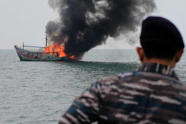 Indonesia tiếp tục đánh chìm 34 tàu cá nước ngoài 1