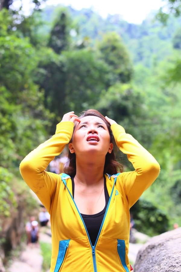 Hải Băng hoảng hốt khi Trương Nam Thành hụt chân ngã khỏi thác nước cao 500 mét 1