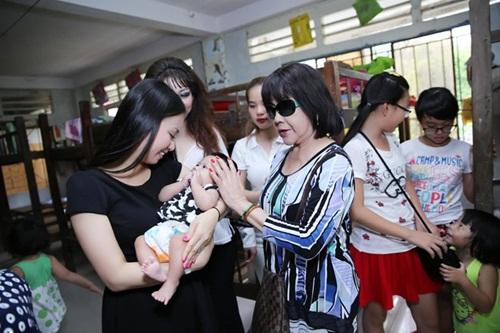 Cận cảnh cuộc sống xa hoa của nữ ca sĩ Việt giàu nhất thế giới 15