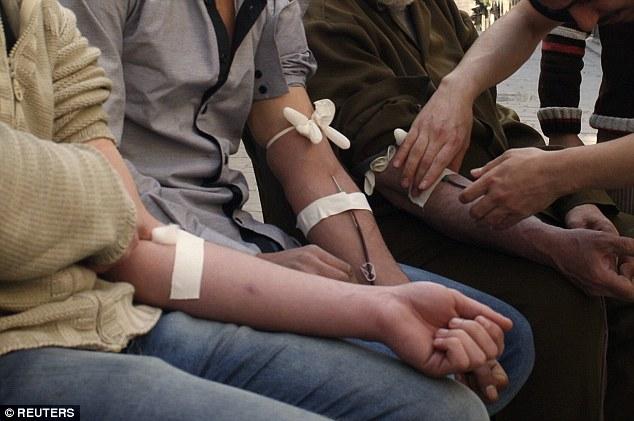 IS dùng chiến binh nhiễm HIV làm bom liều chết