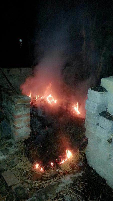 Hình ảnh Hoảng loạn bỏ chạy vì nhà tự dưng cháy số 1