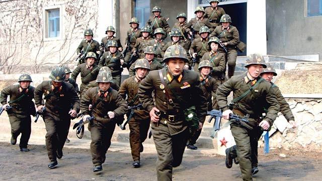Căng thẳng leo thang, một triệu thanh niên Triều Tiên xin nhập ngũ 1