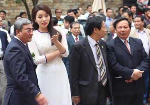 Hình ảnh Đại gia phố núi đột tử ở sân bay Nội Bài là ai? số 1