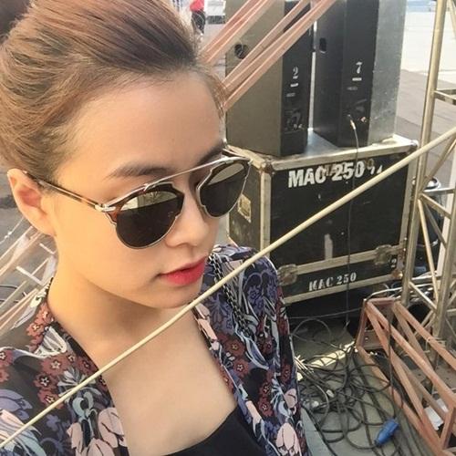 Facebook sao Việt: Khánh Thi tự ti về vóc dáng, Bằng Kiều tình cảm bên con trai 5