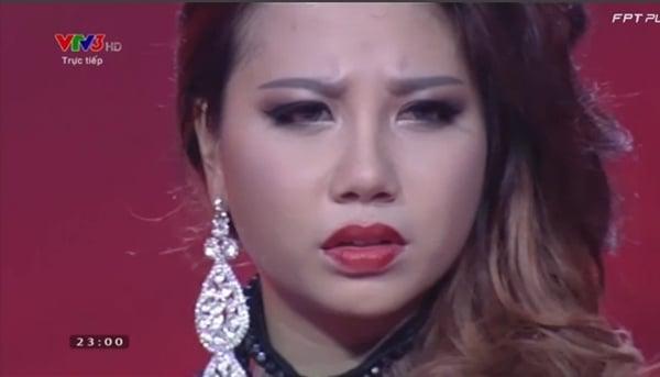 Hình ảnh Giọng hát Việt 2015: Phượng Vũ hành động khó hiểu khi bị Đàm Vĩnh Hưng loại số 1