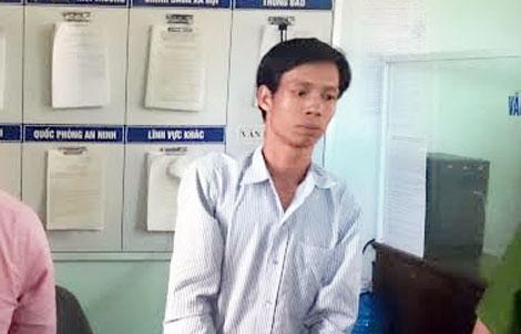 Kẻ sát hại vợ rồi vượt ngàn km về quê chém tình địch bị khởi tố 1