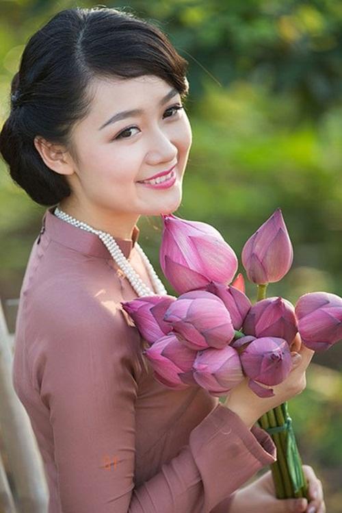 Điểm danh những nữ BTV truyền hình xinh đẹp nhất Việt Nam 11