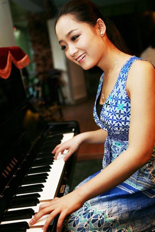 Điểm danh những nữ BTV truyền hình xinh đẹp nhất Việt Nam 12