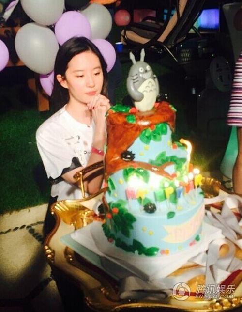 Lưu Diệc Phi phủ nhận tin đồn từ chối lời cầu hôn của Song Seung Hun 2