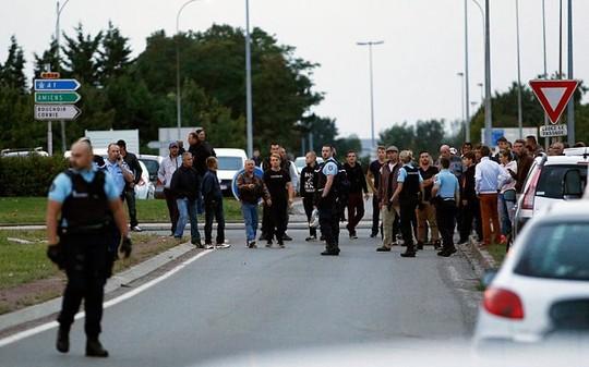 Xả súng tại Pháp khiến 4 người thiệt mạng 1