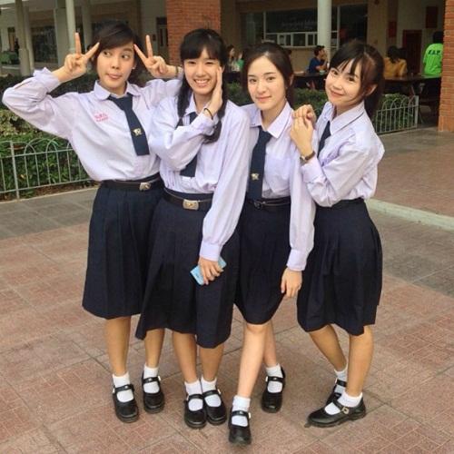 Ngắm đồng phục dễ thương của nữ sinh các nước châu Á 13