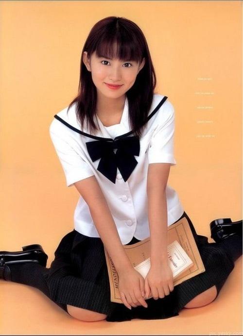 Ngắm đồng phục dễ thương của nữ sinh các nước châu Á 6