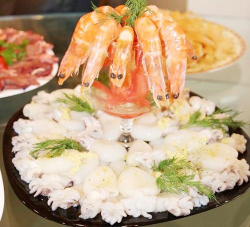 Cách nấu lẩu hải sản chua cay thơm ngon đơn giản tại nhà 4