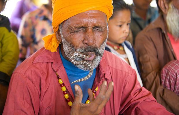 Khám phá bộ tộc Ấn Độ có biệt tài thôi miên rắn 6