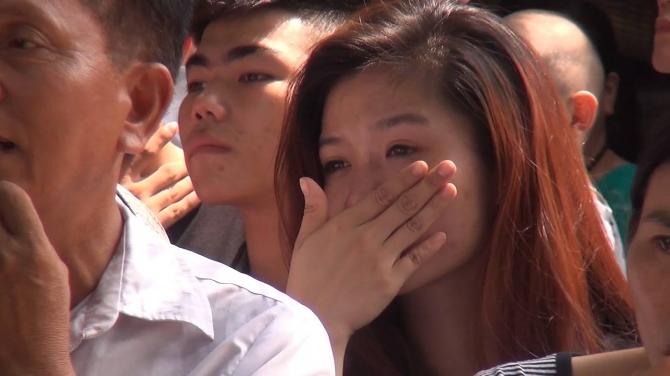 Chùm ảnh: Giọt nước mắt đón người thân được đặc xá trở về 6