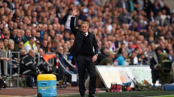 M.U thua Swansea vì Van Gaal