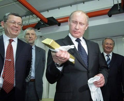 Bốn viên kim cương quý hiếm biến mất bí ẩn khỏi kho báu Nga 3