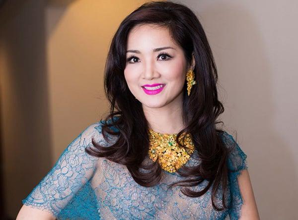 Hoa hậu Đền Hùng Giáng My - U50 vẫn xinh đẹp, trẻ trung 2