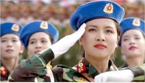 """Nữ quân nhân xinh đẹp trong lễ diễu binh 2/9 """"đốn tim"""" cộng đồng mạng 1"""