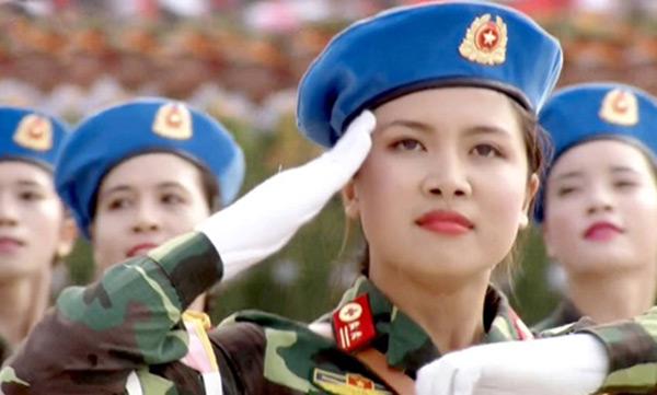 Vì sao nữ quân y đeo quân hàm Trung tá khi diễu binh ngày 2/9 1