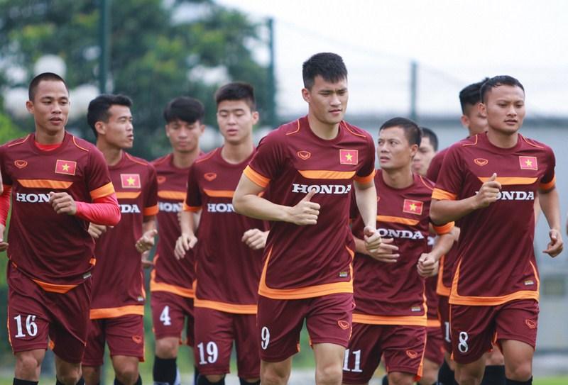 ĐT Việt Nam đấu với Đài Loan: Tuấn Mạnh, Đình Tùng góp mặt 2