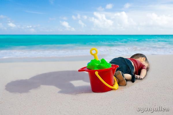 Những bức họa xót xa về cậu bé di cư dạt vào bờ biển 11