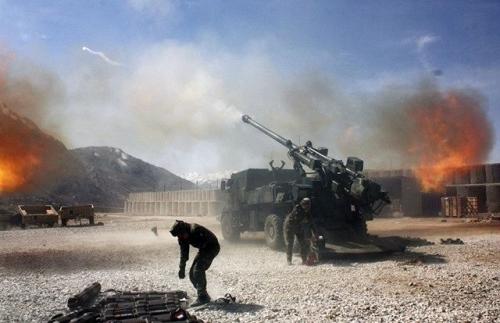 Xem siêu pháo Caesar của bộ binh Arab công phá phiến quân Yemen 4