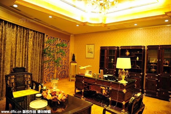 Khách sạn dát vàng 4.000 tỷ của làng giàu nhất TQ 5