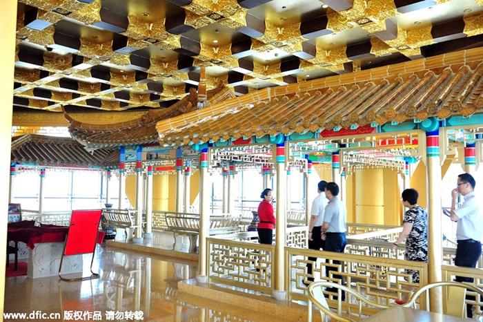 Khách sạn dát vàng 4.000 tỷ của làng giàu nhất TQ 4