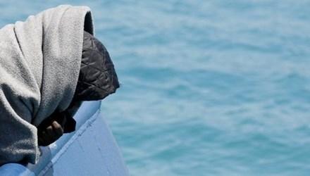 Lật tàu chở người di cư ngoài khơi Lybia, 200 người thiệt mạng 1