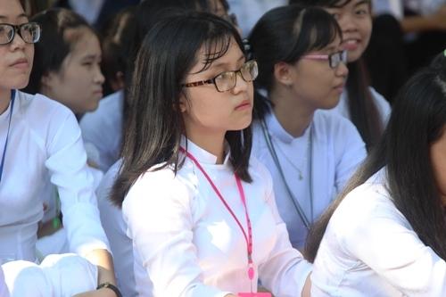 Ngắm nét đẹp tinh khôi của nữ sinh trường Phan Bội Châu ngày khai giảng 6
