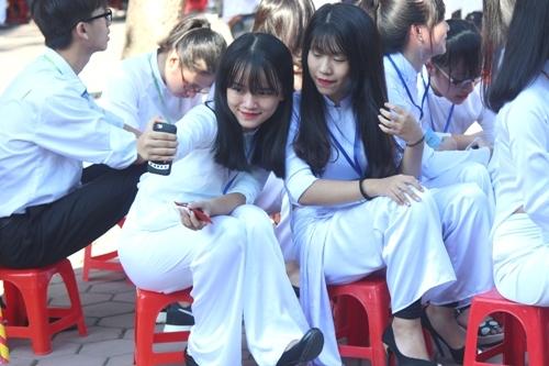 Ngắm nét đẹp tinh khôi của nữ sinh trường Phan Bội Châu ngày khai giảng 8