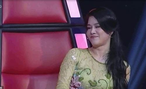 Hình ảnh Thu Phương muốn đổi giọng hát để lấy... bộ quần áo của Vicky Nhung số 2