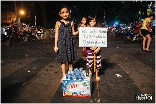 Bé gái Hà Nội học tỷ phú, tự đi bán nước lấy tiền học bơi 1