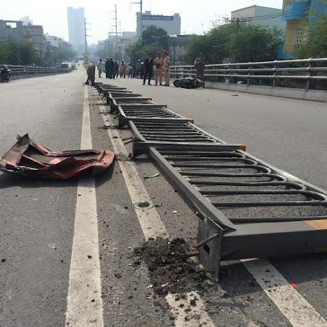 Nhân chứng kể lại vụ xe Phương Trang tông gần 10 xe máy trên cầu 2