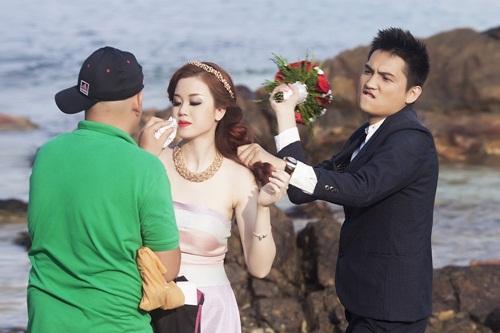 Hé lộ ảnh cưới của ông trùm hoa hậu Mã Siêu và nữ tiếp viên hàng không 7