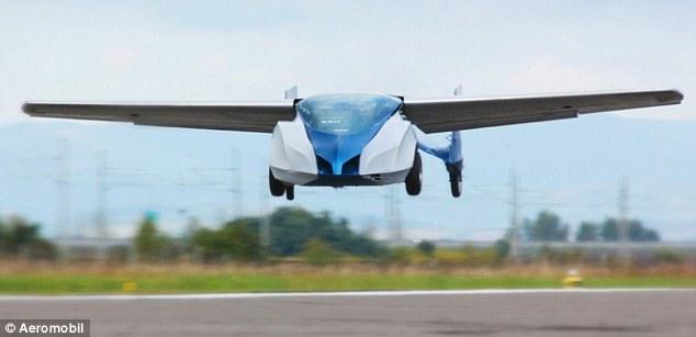 Clip: Ô tô bay sắp được bán ra thị trường cất cánh 2