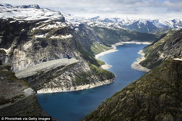 Nữ sinh tử vong từ độ cao 300m ở 'lưỡi quỷ' Trolltuga vì 'tự sướng' 2