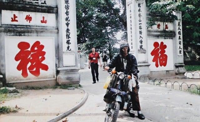 Cụ ông 85 tuổi phượt xuyên Việt bằng xe máy cà tàng 12
