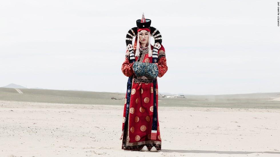 Cuộc sống bí ẩn của người chuyển giới Mông Cổ 1