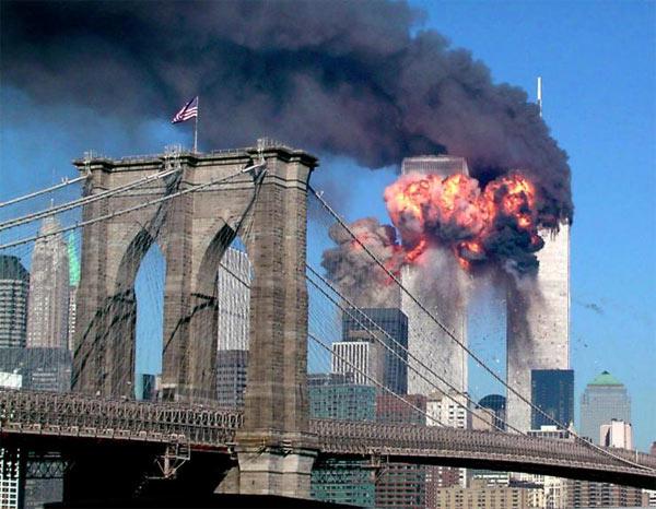 Những bức ảnh đáng sợ trong vụ khủng bố 11/9 1