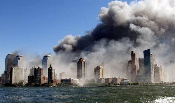 Những bức ảnh đáng sợ trong vụ khủng bố 11/9 3