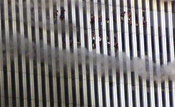 Những bức ảnh đáng sợ trong vụ khủng bố 11/9 4